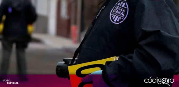 La Fiscalía General de Querétaro informó sobre la detención de dos sujetos que intentaron extorsionar a un comerciante; uno de los imputados es conocido de la víctima
