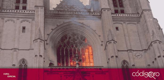 Las autoridades de la ciudad de Nantes en Francia, abrieron una investigación referente al incendio ocurrido la mañana de este sábado en la catedral gótica de San Pedro y San Pablo
