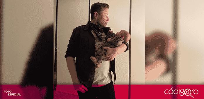"""Elon Musk compartió una fotografía de su hijo, """"X Ash A Twelve"""" es la manera en la que se pronuncia el nombre del bebé, de acuerdo con lo explicado por el multimillonario"""