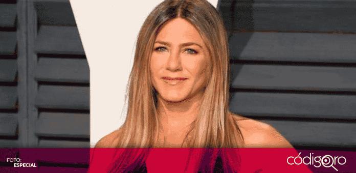 Jennifer Aniston publicó en su perfil de Instagram una fotografía en la que utiliza cubrebocas