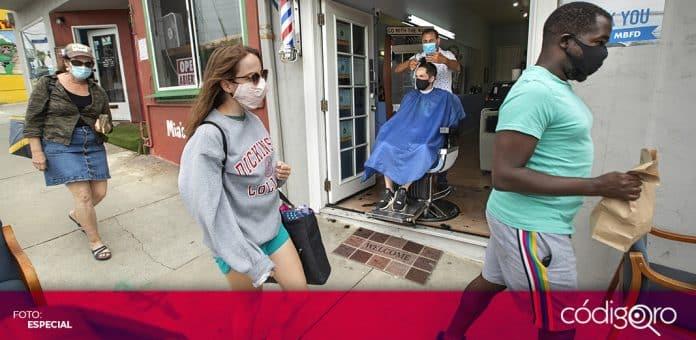 El gobernador de California, Gavin Newsom, ordenó el toque de queda para detener los contagios de COVID-19. Foto: Especial