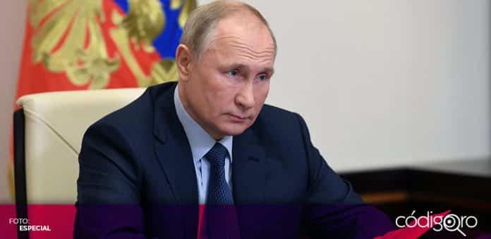 El presidente de Rusia, Vladímir Putin, inauguró una planta para fabricar medicamentos contra COVID-19 en Siberia. Foto: Especial