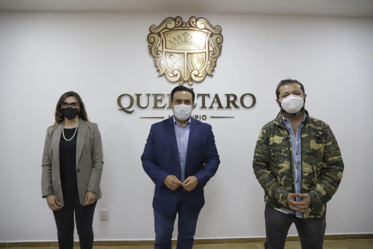 El presidente municipal de Querétaro, Luis Bernardo Nava Guerrero, y el artista Edgar Oceransky confirmaron la cancelación del Trovafest 2020. Foto: Especial