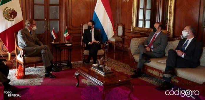 El gobernador de Querétaro, Francisco Domínguez Servién, recibió al nuevo embajador de los Países Bajos en México. Foto: Especial