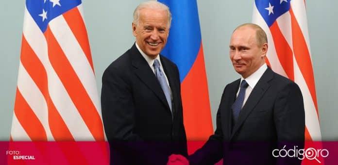 Los presidentes de Estados Unidos y Rusia, Joe Biden y Vladímir Putin; respectivamente, sostuvieron su primera conversación telefónica. Foto: Especial
