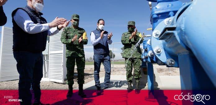 El gobernador de Querétaro, Francisco Domínguez Servién, inauguró el sistema hidráulico del pozo agrícola en la Granja Sedena