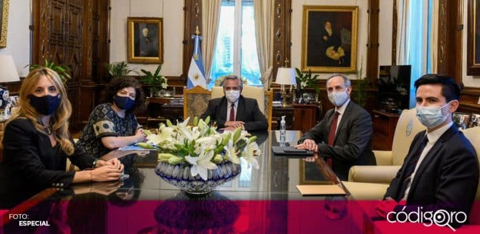 López-Gatell viajó a Argentina para conocer el funcionamiento de la vacuna rusa Sputnik V contra COVID-19. Foto: Especial