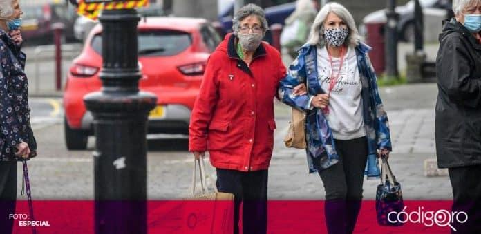 El uso de cubrebocas en espacios públicos sigue sin ser obligatorio en Reino Unido. Foto: Especial