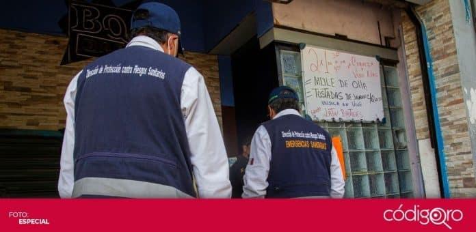Las Unidades Especiales AntiCOVID-19 suspendieron un bar en la ciudad de Querétaro. Foto: Especial