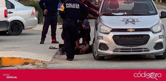 Una mujer murió luego de que fuera sometida en el piso por policías municipales de Tulum, Quintana Roo. Foto: Especial