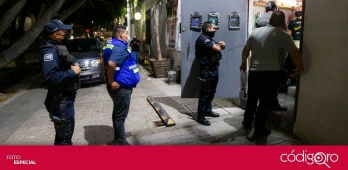 Las Unidades Especiales AntiCOVID-19 dispersaron 4 puertas privadas en la ciudad de Querétaro. Foto: Especial