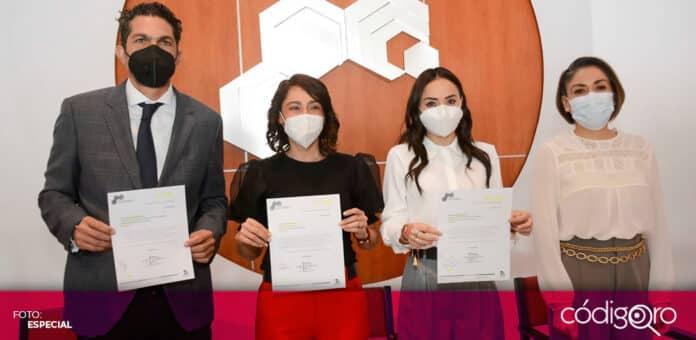 Abigail Arredondo Ramos y María Alemán Muñoz Castillo presentaron sus propuestas ante el Colegio de Arquitectos. Foto: Especial