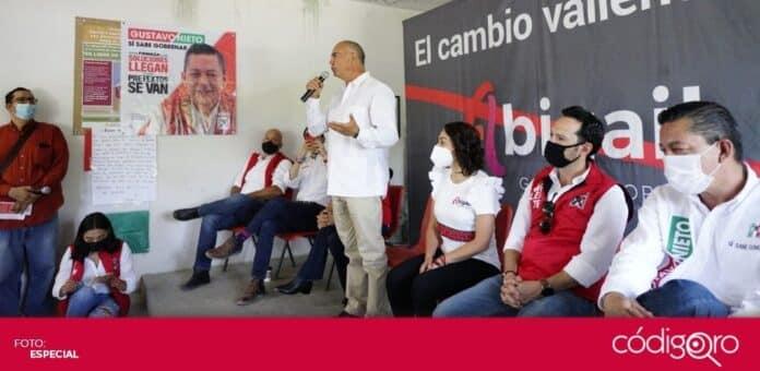 La candidata del PRI a la gubernatura, Abigail Arredondo Ramos, se reunió con el exgobernador de Querétaro, José Calzada Rovirosa. Foto: Especial