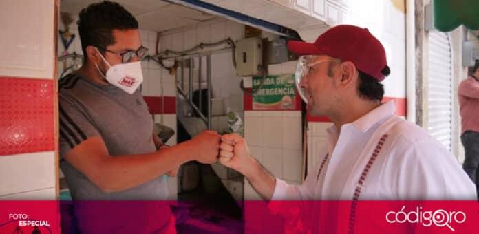 Arturo Maximiliano, candidato de Morena a la presidencia municipal de Querétaro, realizó un recorrido por Juriquilla. Foto: Especial