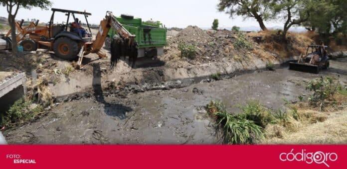 Fueron extraídas 320 toneladas de basura y tiliches del dren de Montenegro. Foto: Especial
