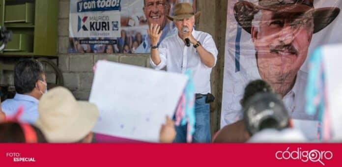 Enrique Vega Carriles, candidato del PAN a la presidencia municipal de El Marqués, se reunió con ciudadanos de La Loma y Coyotillos. Foto: Especial