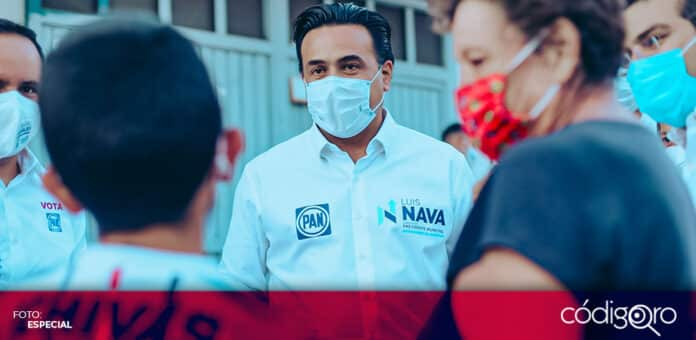 El candidato común del PAN y Querétaro Independiente a la alcaldía, Luis Nava, visitó el Fraccionamiento Viñedos. Foto: Especial