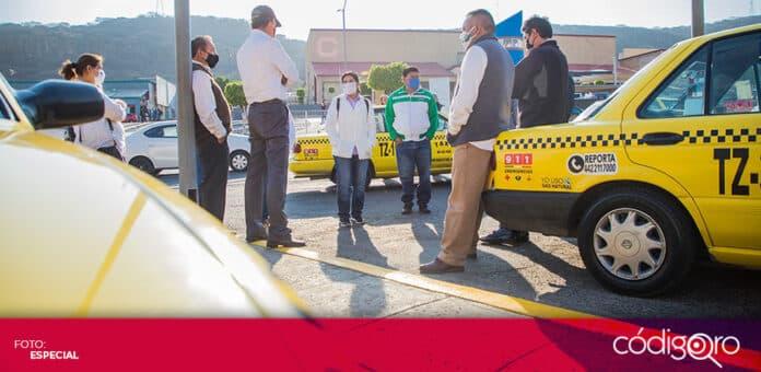 María de Jesús Ibarra Silva, candidata del PES a la gubernatura de Querétaro, sostuvo una reunión con taxistas. Foto: Especial