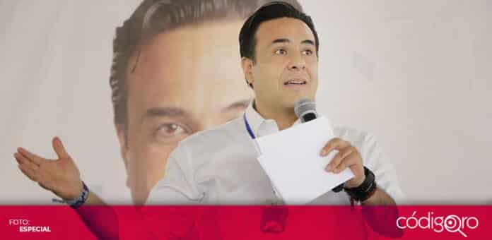 El candidato común del PAN y QI a la alcaldía capitalina, Luis Bernardo Nava Guerrero, se reunió con mujeres. Foto: Especial