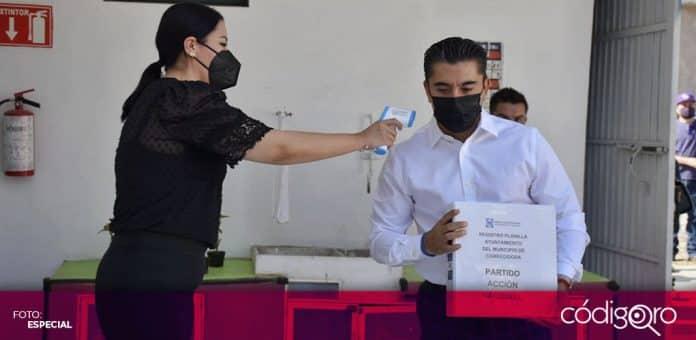 Roberto Sosa Pichardo se registró como candidato del PAN a la presidencia municipal de Corregidora. Foto: Especial