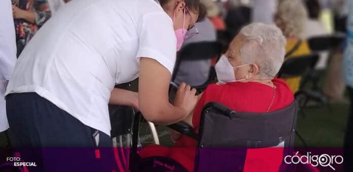 Comienza la aplicación de la segunda dosis de la vacuna contra COVID-19 en Corregidora. Foto: Especial