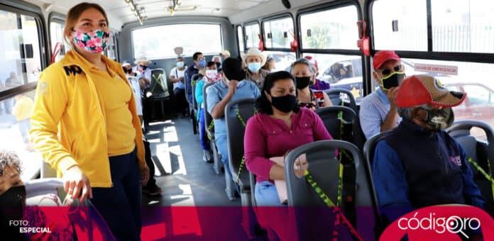Anuncian transporte gratuito para la vacunación de adultos mayores contra COVID-19. Foto: Especial