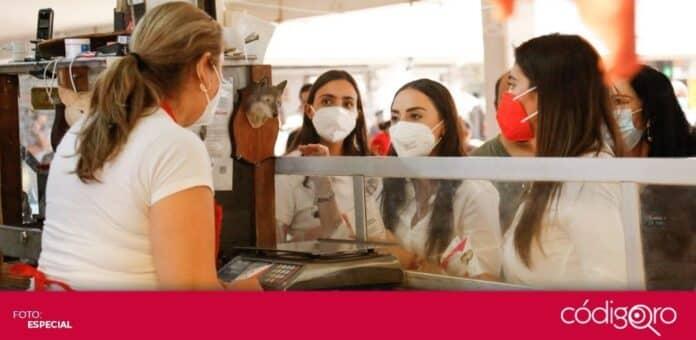 La candidata del PRI a la presidencia municipal de Querétaro, María Alemán, recorrió el mercado de Santa Rosa Jáuregui. Foto: Especial