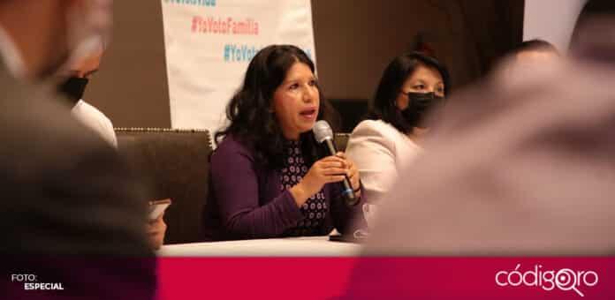 La candidata del PES a la gubernatura del estado de Querétaro, María de Jesús Ibarra Silva, firmó