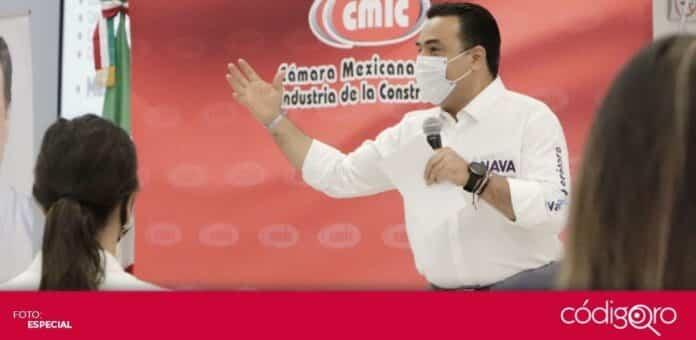 El candidato común del PAN y QI a la presidencia municipal, Luis Bernardo Nava Guerrero, se reunió con miembros de la CMIC. Foto: Especial