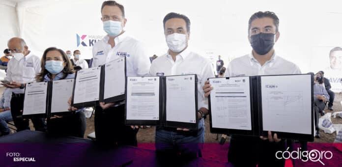 El candidato común del PAN y QI a la presidencia municipal, Luis Bernardo Nava Guerrero, firmó compromisos ambientales. Foto: Especial