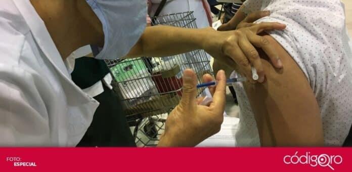 Inició la vacunación contra COVID-19 a los profesores de San Juan del Río y Colón. Foto: Especial