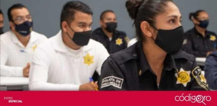 Un total de 70 policías municipales de Querétaro participaron en un diplomado. Foto: Especial