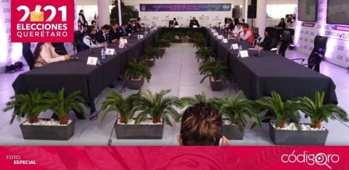 El Consejo General del IEEQ se declaró en sesión permanente para dar seguimiento a la jornada electoral. Foto: Especial