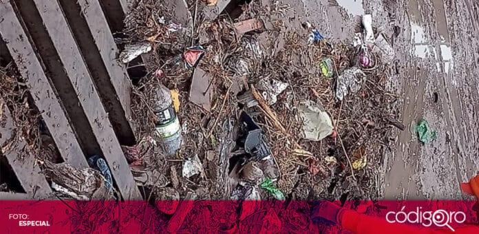 La Secretaría de Servicios Públicos Municipales de Querétaro retiró toneladas de basura y lodo tras la lluvia del martes. Foto: Especial