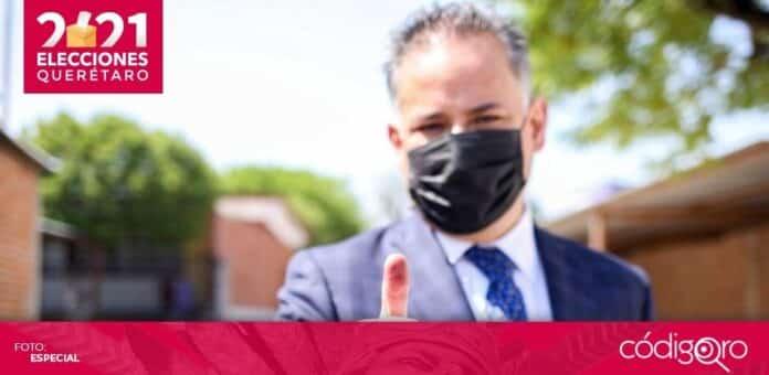 El titular de la UIF, Santiago Nieto Castillo, votó en el municipio de San Juan del Río. Foto: Especial