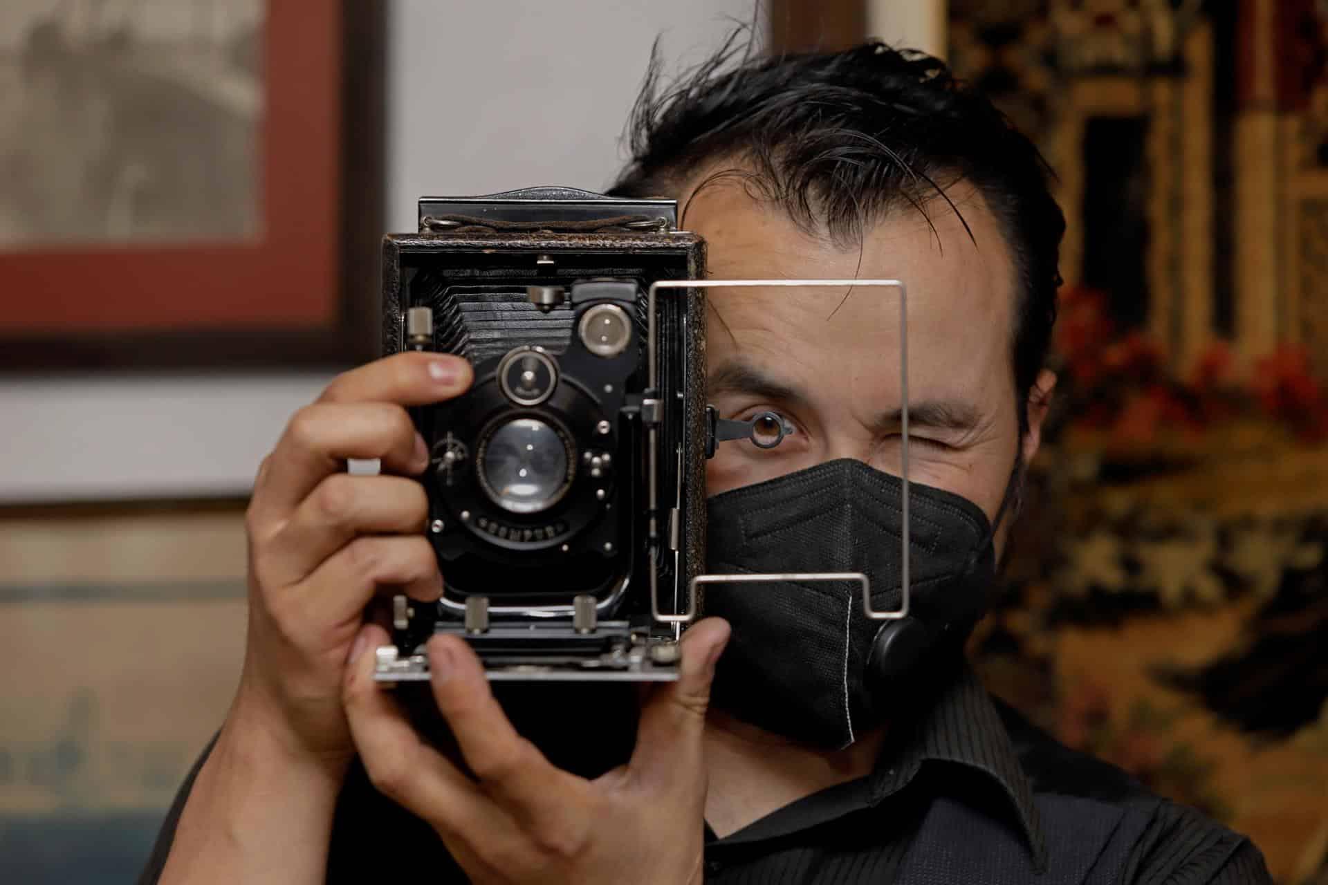 Mexicano colecciona 3 mil cámaras fotográficas de todas las épocas