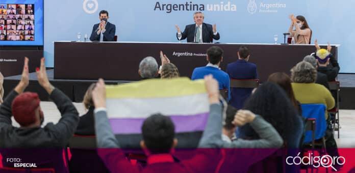 En un hecho histórico, Argentina reconoció oficialmente el género de las personas no binarias. Foto: Especial