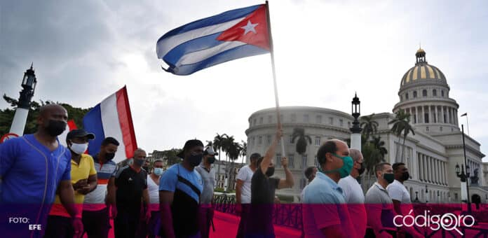 Miles de habitantes de Cuba protestaron con el régimen del presidente Miguel Díaz-Canel. Foto: EFE