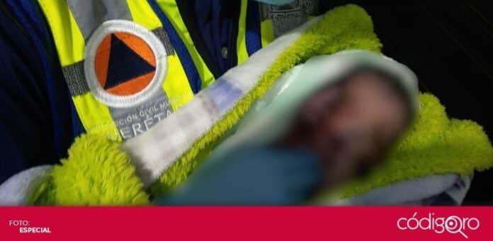 Personal de Protección Civil Municipal de Querétaro auxiliaron en el nacimiento de un bebé en Villas de Santiago. Foto: Especial