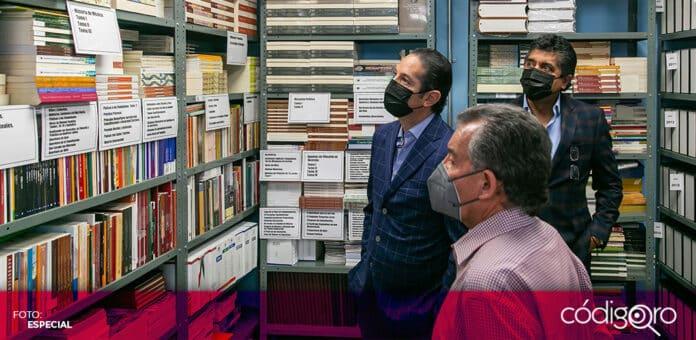 El gobernador Francisco Domínguez Servién supervisó las instalaciones de la imprenta oficial del estado de Querétaro. Foto: Especial