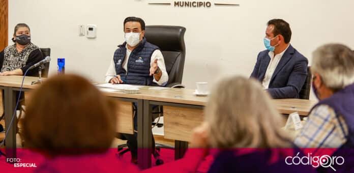 El presidente municipal de Querétaro, Luis Bernardo Nava Guerrero, se reunió con el Consejo Temático de Seguridad. Foto: Especial
