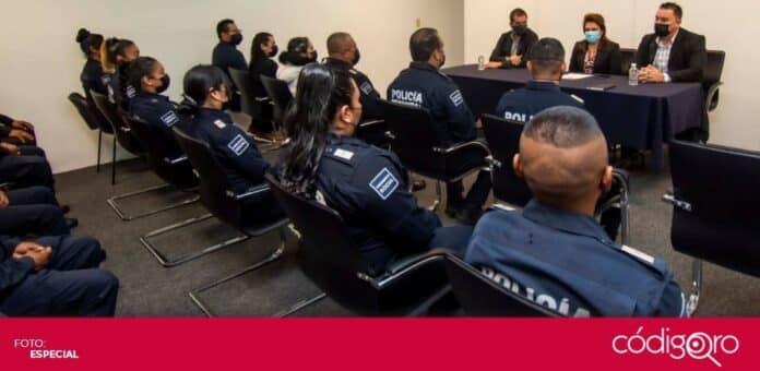 Realizan pase de revista a mandos policiales de El Marqués. Foto: Especial